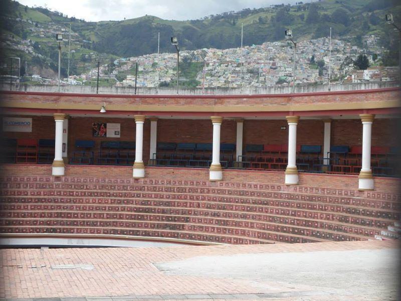 Plaza Toros Belmonte Quito Ecuador Jose Luis Cobo Empresa Triana